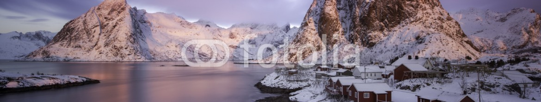80328405 – Norway – Sunrise over Norway