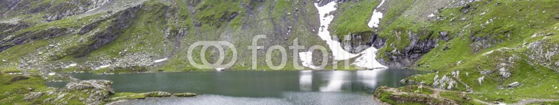 80689083 – Romania – Lacul Balea in the Fagaras mountains. Transfagarasan