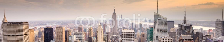 82641979 – United States of America – New York City Skyline