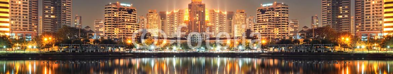 83170512 – Thailand – city reflection bangkok downtown