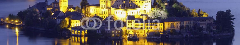 83269472 – Italy – Orta San Giulio island, night view. Color image
