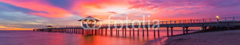 84423340 – Thailand – bridge
