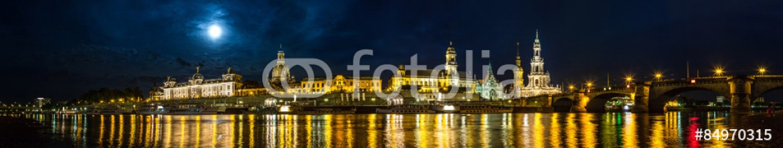 84970315 – Ukraine – Dresden in night