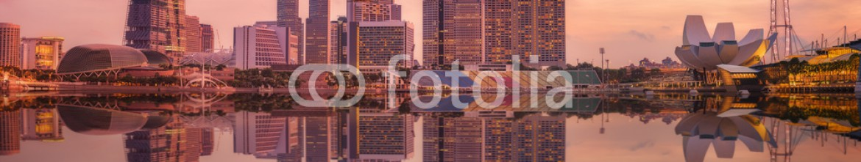 85145299 – Ukraine – Singapore Skyline and view of Marina Bay