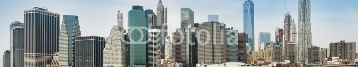 85462121 – Italy – New York City panorama with Manhattan Skyline over Hudson River.