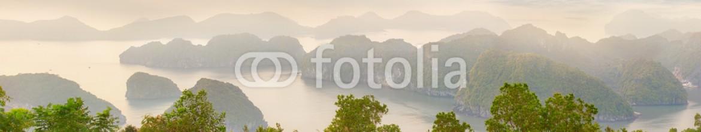 85558464 – Ukraine – Viewpoint panorama of Halong Bay