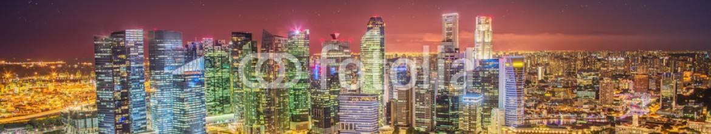 86213909 – Ukraine – Singapore Skyline and view of Marina Bay