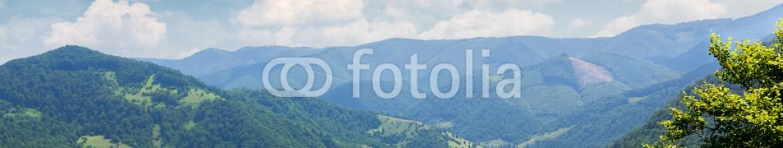 86317993 – Ukraine – Beautiful mountain landscape
