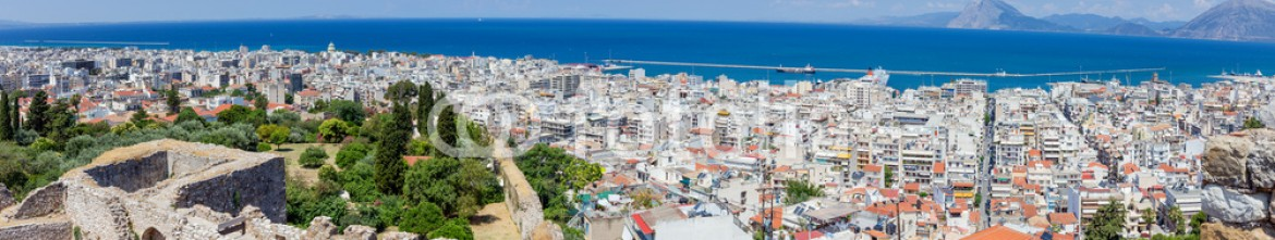 86824970 – Greece – Panoramic view of Patras from the fortress, Greece