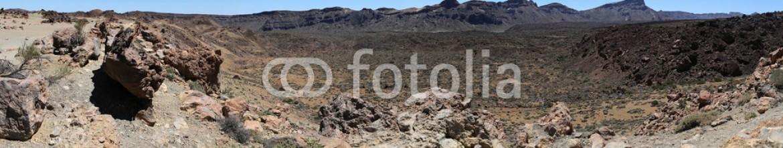 87092348 – Serbia – Scenery in Teide National Park in Tenerife, Spain