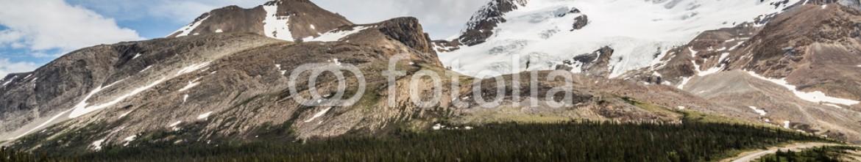 87353778 – Canada – Road to the Glacier