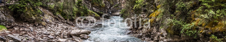 87354819 – Canada – Johnston Canyon creek