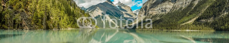 87860998 – Canada – Lake Kinney at Mount Robson