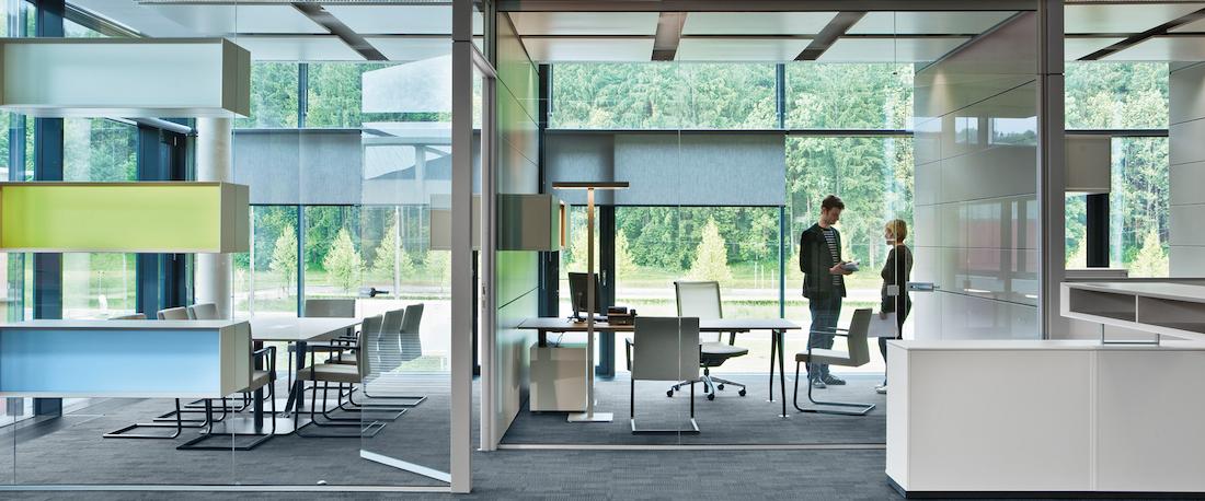 Стеклянные панели для офисного пространства