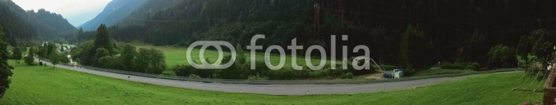 88451326 – Italy – Panorama di montagna