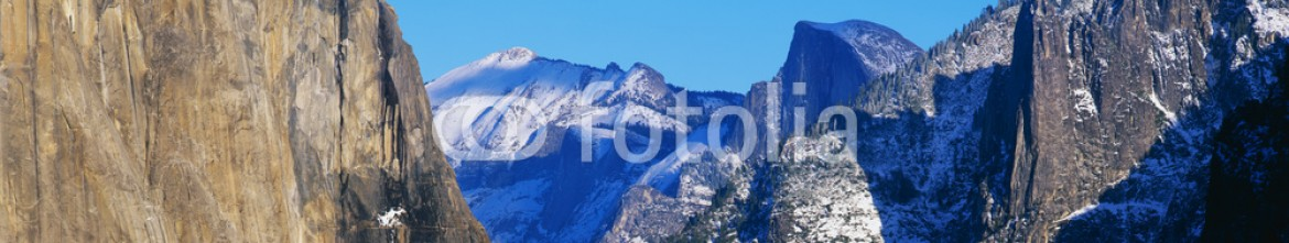 90023961 – United States of America – This is a view of the valley in the winter after a snow storm.