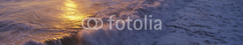 90066240 – United States of America – Ocean surf