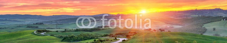 90324222 – Russian Federation – Tuscany sunrise