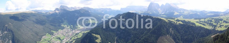 90382717 – Italy – La Val Gardena vista dal Monte Bullaccia