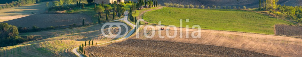 90443770 – Italy – Tuscan landscape the national park of Val d'Orcia, a UNESCO heri
