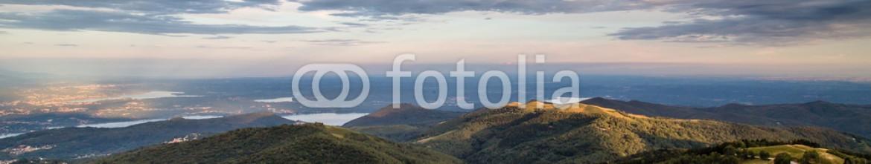 90506730 – Italy – vista panoramica dal Mottarone del lago Maggiore