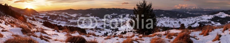 90694419 – Slovakia – Slovakia Tatras mountain from Pieniny