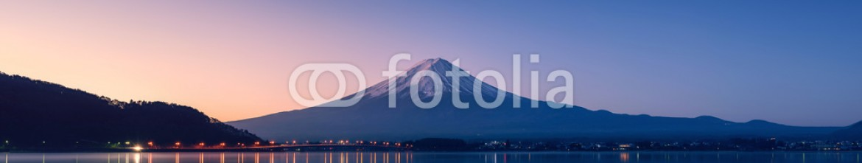 90696167 – Japan – mountain Fuji at dawn with peaceful lake reflection