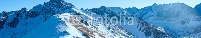 90768113 – Poland – Kasprowy Wierch  in the Western Tatras. Winter panorama.