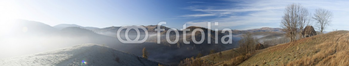91097233 – Romania – Autumn morning in the mountains