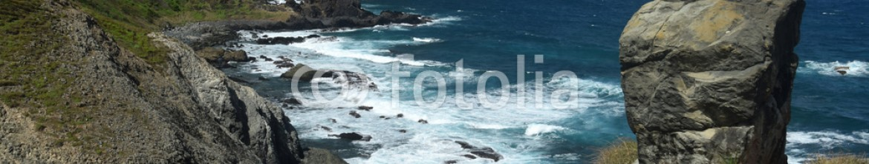 91581881 – Brazil – Crystalline sea beach in Fernando de Noronha,Brazil