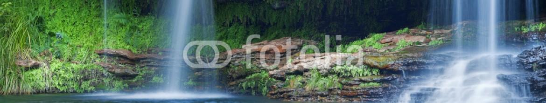 91619962 – Australia – Waterfalls at Fern Pool in Karijini NP, Western Australia