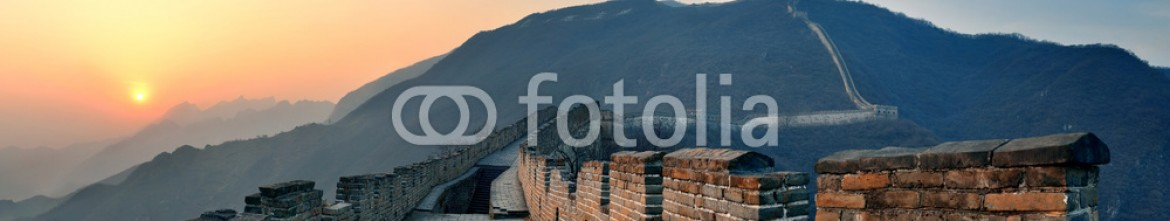 91736768 – United States of America – Great Wall sunset panorama