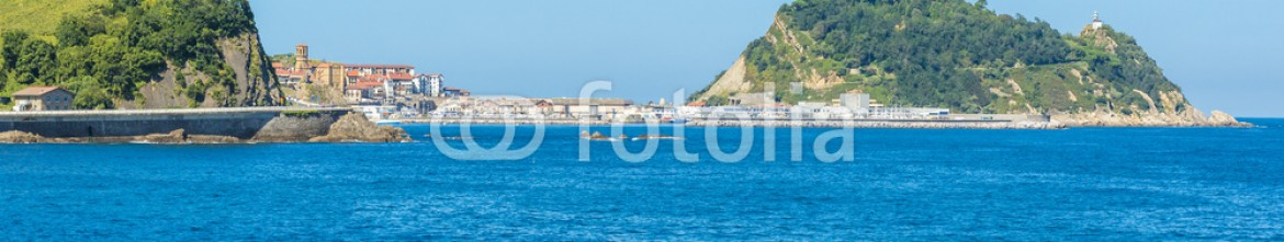 91780576 – Spain – Coast of Basque Country, Getaria as background (Spain)