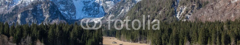92338683 – Slovenia – Alpine lake