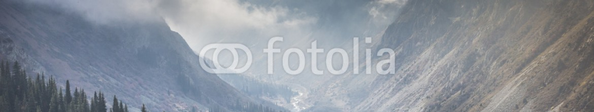 92594367 – Kirghizistan – The panorama of mountain landscape of Ala-Archa gorge in the sum