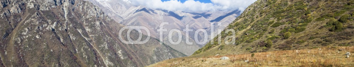 92594922 – Kirghizistan – The panorama of mountain landscape of Ala-Archa gorge in the sum
