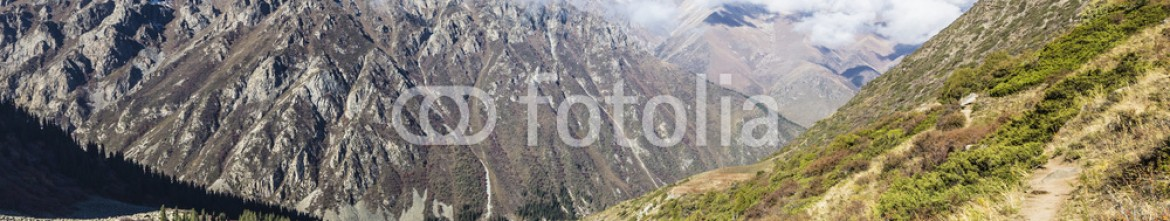 92594940 – Kirghizistan – The panorama of mountain landscape of Ala-Archa gorge in the sum