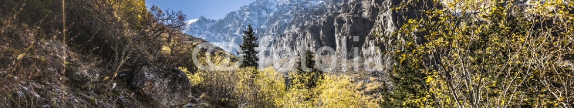 92595070 – Kirghizistan – The panorama of mountain landscape of Ala-Archa gorge in the sum