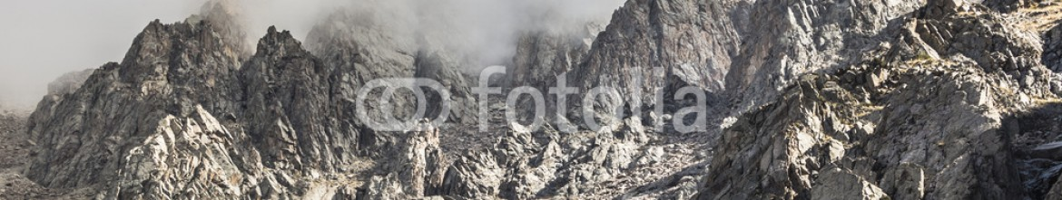 92595118 – Kirghizistan – The panorama of mountain landscape of Ala-Archa gorge in the sum