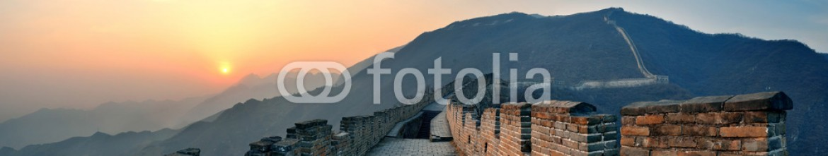 92710837 – United States of America – Great Wall sunset panorama