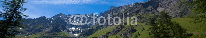 92843480 – Ukraine – Mountain range in Gran Paradiso National Park, Alps, Italy