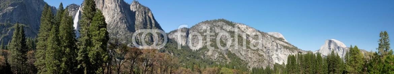 93244854 – United States of America – Yosemite Meadow panorama