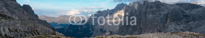 93252680 – Italy – Laghetti Tre Cime di Lavaredo Scorcio suggestivo di due laghetti nella località Tre Cime di Lavaredo – Dolomiti di Belluno.