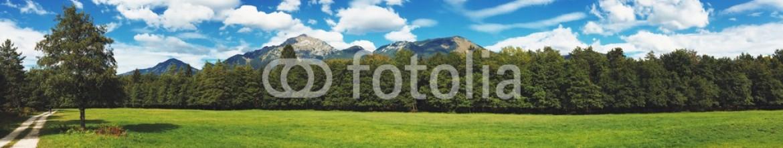 93316433 – Slovenia – Amazing autumn landscape
