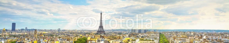 93348146 – France – Eiffel Tower landmark, view from Arc de Triomphe. Paris, France.