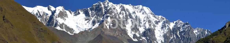 93401587 – Ukraine – landscape with Caucasus Shkhara mountain seen from Ushguli villa